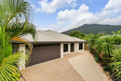 AMAZING VALUE! – HUGE 375SQM HOME WITH SIX BEDROOMS ON 945SQM AND NO REAR NEIGHBOURS!