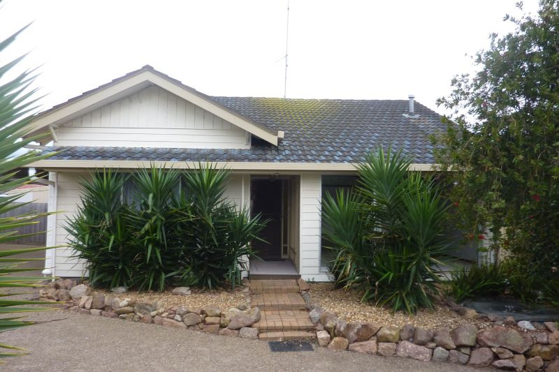 LARGE 3 BEDROOM HOUSE AT THE END OF A QUIET STREET