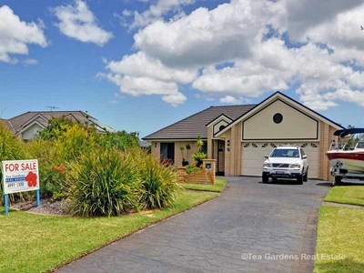 38  Windward Circuit , Tea Gardens