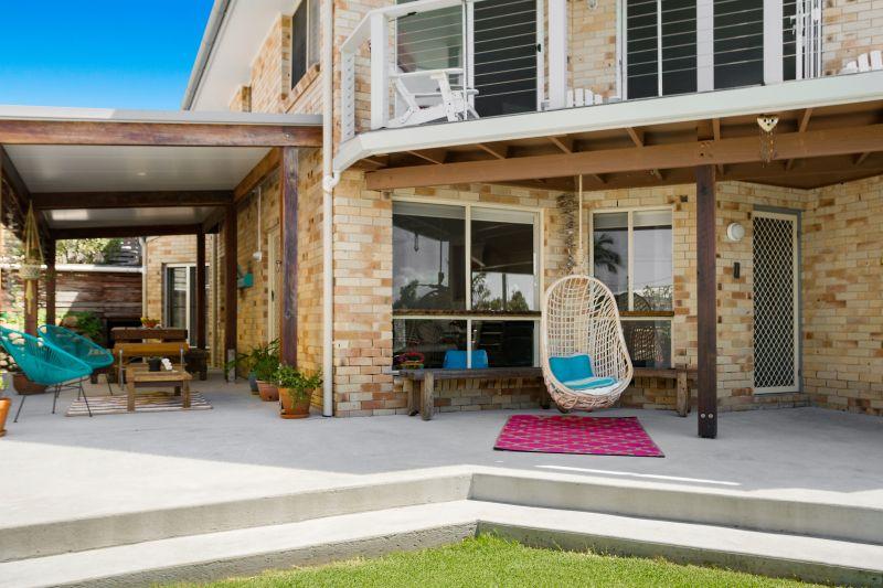 Modern duplex in premier beachside locale