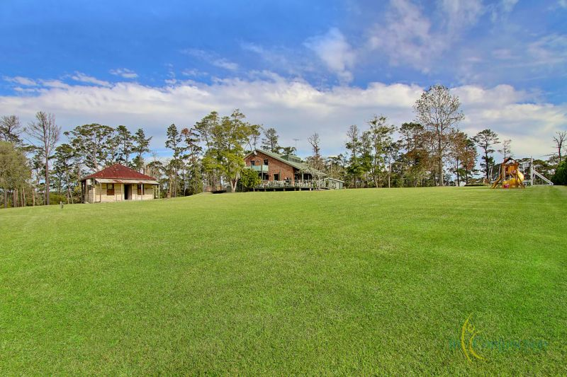 Absolutely stunning large acreage block with dam, long frontage + privacy. 5 bedroom home. Suit horses/lifestyle- truly magical location