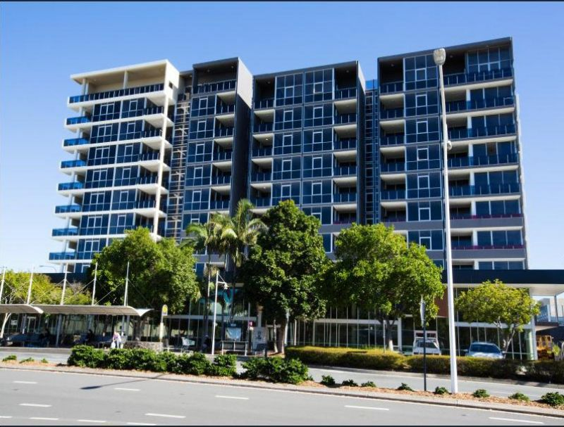 ULTIMA HARBOURSIDE 1 BEDROOM APARTMENT AVAILABLE TO RENT - 3 MONTH LEASE, FURNISHED! RENT INCLUDES GAS & ELECTRICITY.