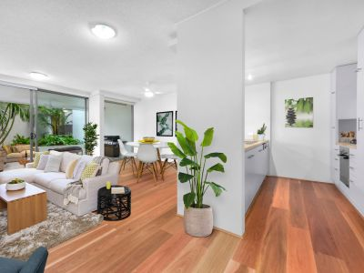 104m2 Ground Floor, Courtyard Apartment.  A/C, Pool & More