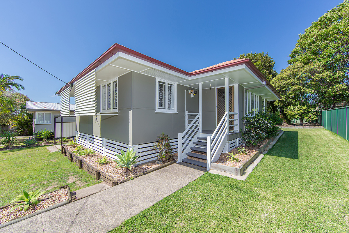FULLY RENOVATED CHARACTER COTTAGE
