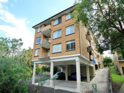 Immaculate 2 Bedroom Unit!