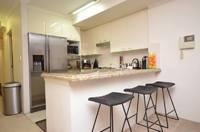 2 Bedroom  - Luxury Unit - New Paint - Polished Timber Floors