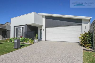 Immaculate Presentation, Privacy Opposite Bush Park!