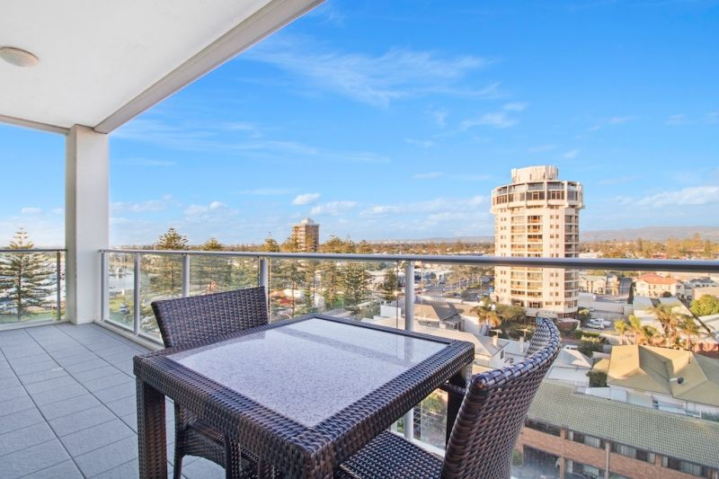 Large Balcony / Commanding Views.