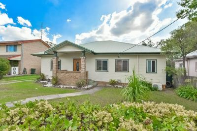Convenient Country Living on 866m2