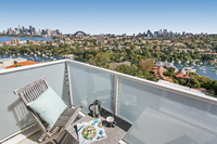 Modern 2 bed, 1 bath apartment with stunning views of Sydney Harbour
