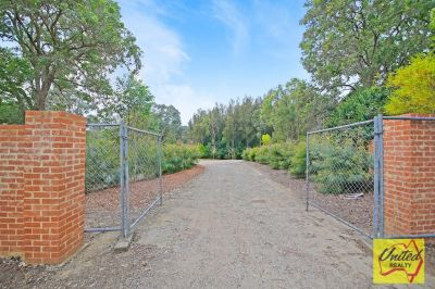 Sanctuary on approx. 2.28 Acres, 5 mins to Camden!