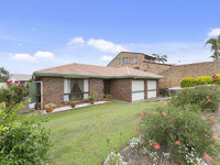 9 Bankhead Crescent Stafford Heights, Qld