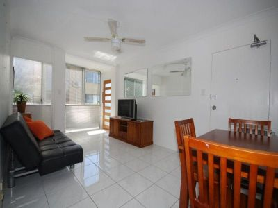 FULLY FURNISHED 2 BED UNIT