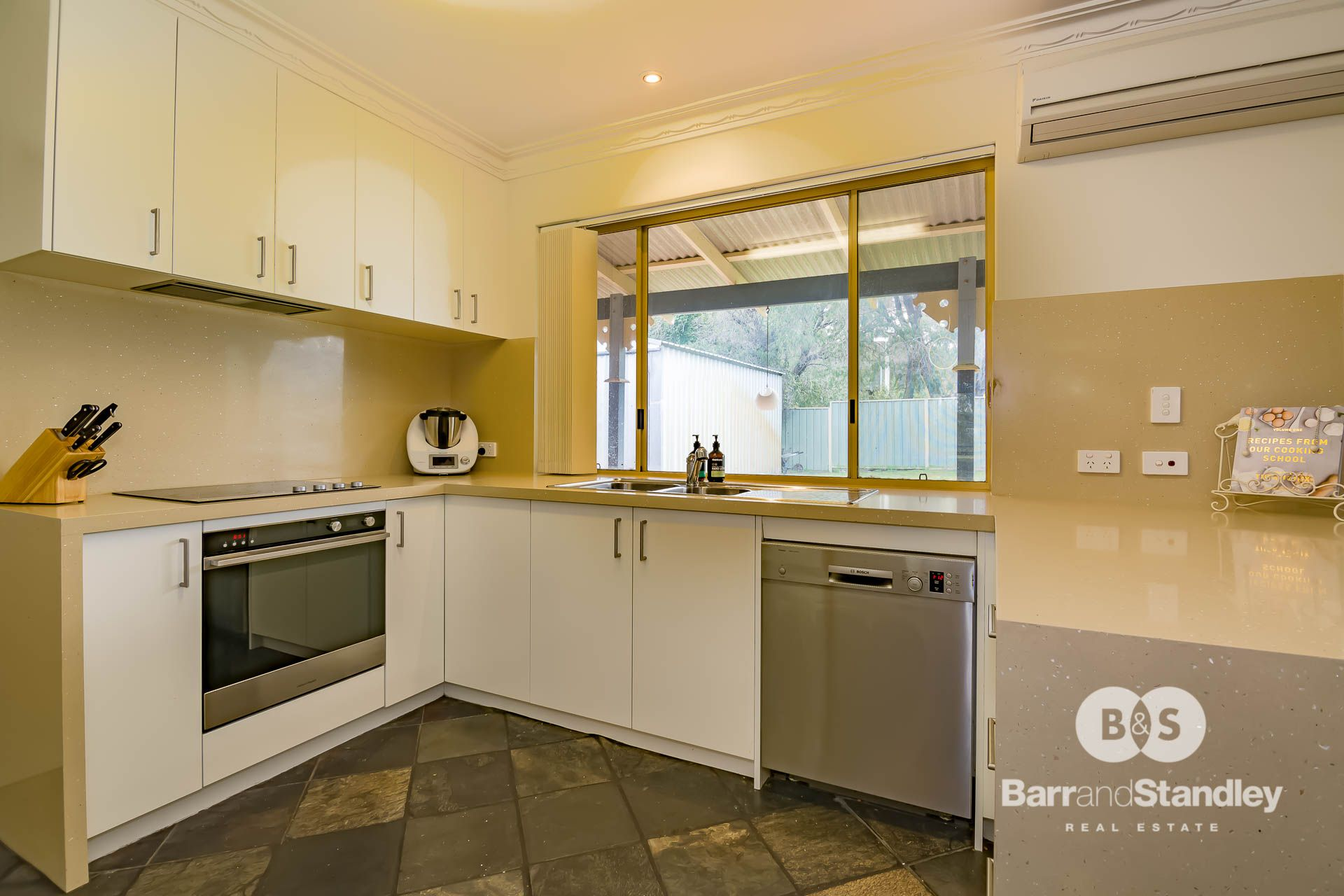 4 Fairway Terrace, Preston Beach