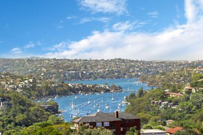 Luxury sky home with Neutral Bay at its feet