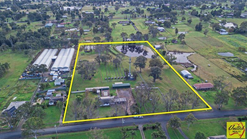 Deceased Estate – Approx. 10 Acres + Bonus Income!!