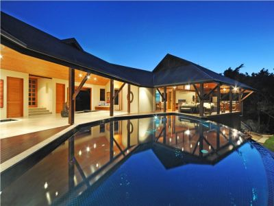 Contemporary Hamilton Island Luxury Home
