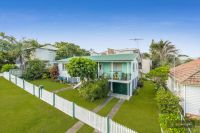 Hawthorne Special - Much loved family home with multiple options!