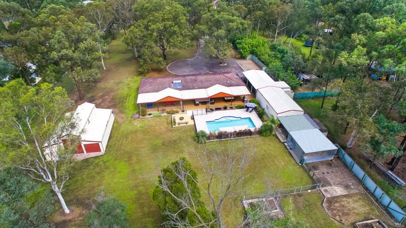 Immaculate Home on 5 Arable Acres