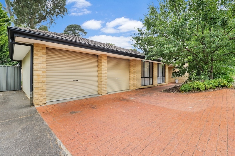 Large Family Home With A Granny Flat !!