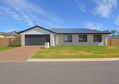 New Family Home Close to Schools, Beach & Shops