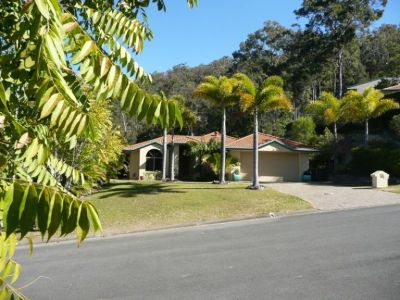 Oxenford Home with the Works - Heated Pool & Combustion Fire Place