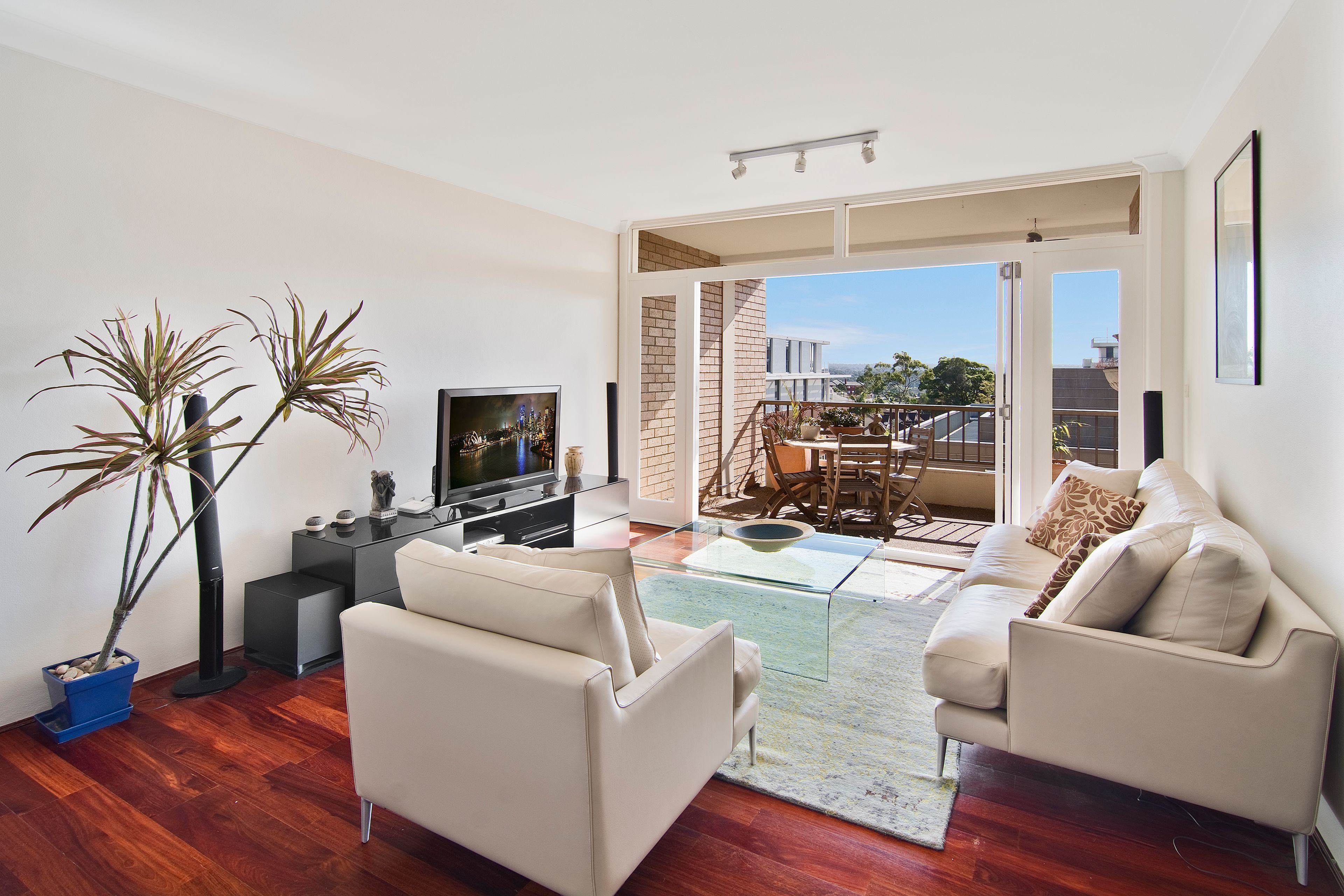 22/156 Miltary Road, Neutral Bay