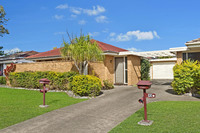 Villa Home With Extra Parking Space For Cars, Boat, Caravan
