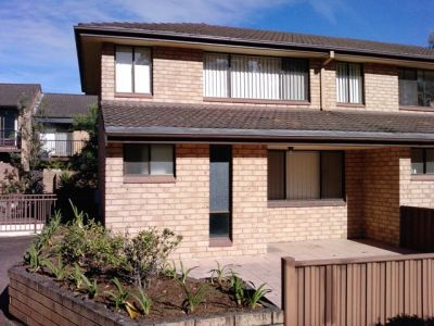 RENOVATED, IMMACULATE 2 BEDROOM TOWNHOUSE IN MARSFIELD FOR SALE