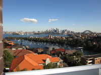 MOSMAN RENOVATED 1BED F/F TOP FLOOR APT STUNNING HARBOUR VIEWS FROM BALCONY WIFI