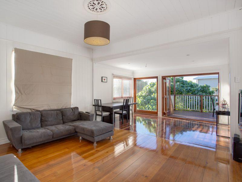 23 Arthur Terrace Red Hill 4059