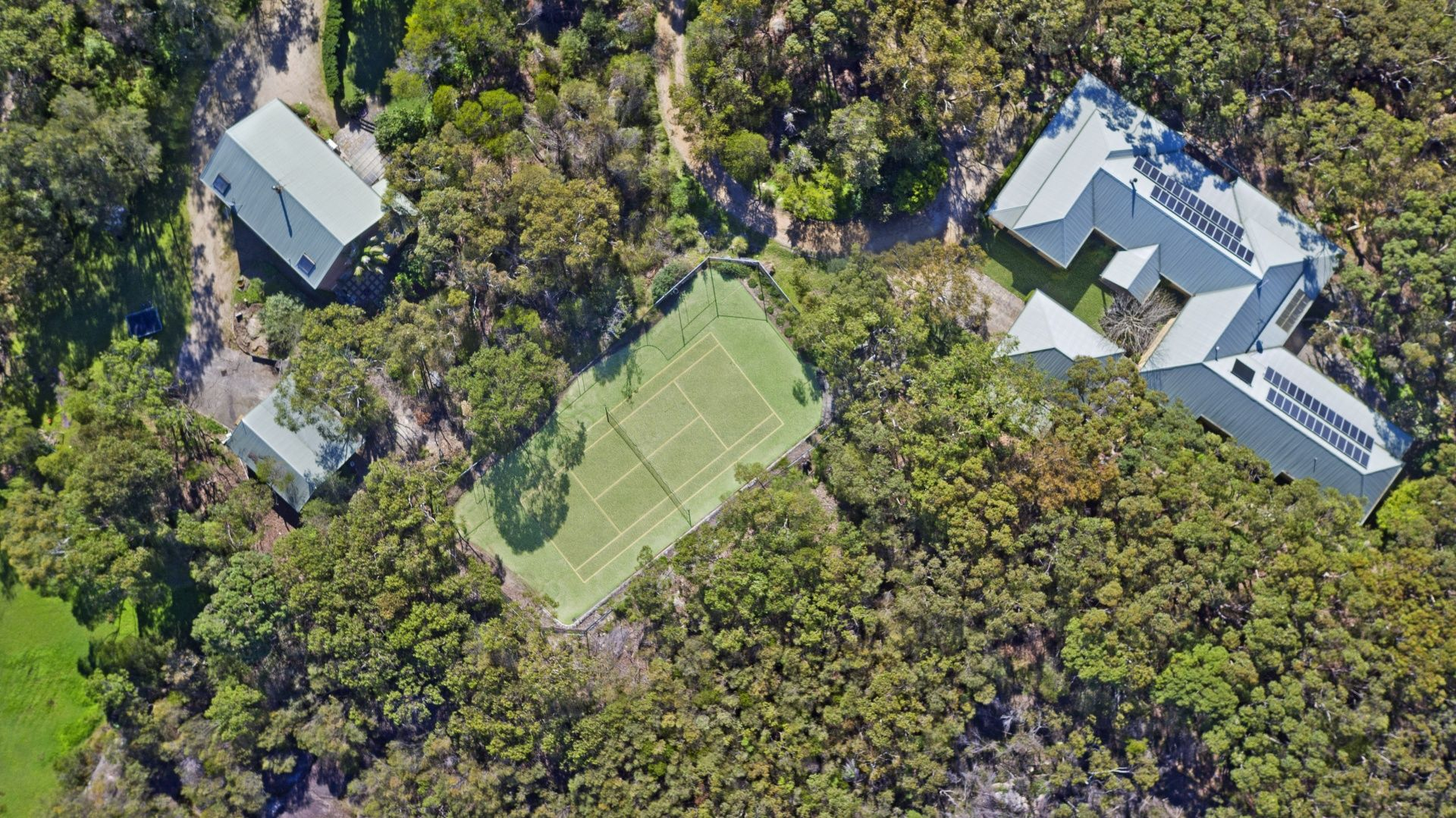 2 Caladenia Close, Elanora Heights