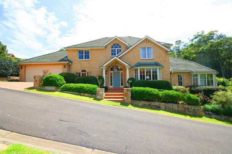 SOLD BY IN CONJUNCTION REAL ESTATE.  Luxury Meadowbank home positioned in the most beautiful and exclusive location