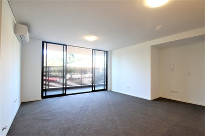 As New Huge Luxury Apartment with Parking