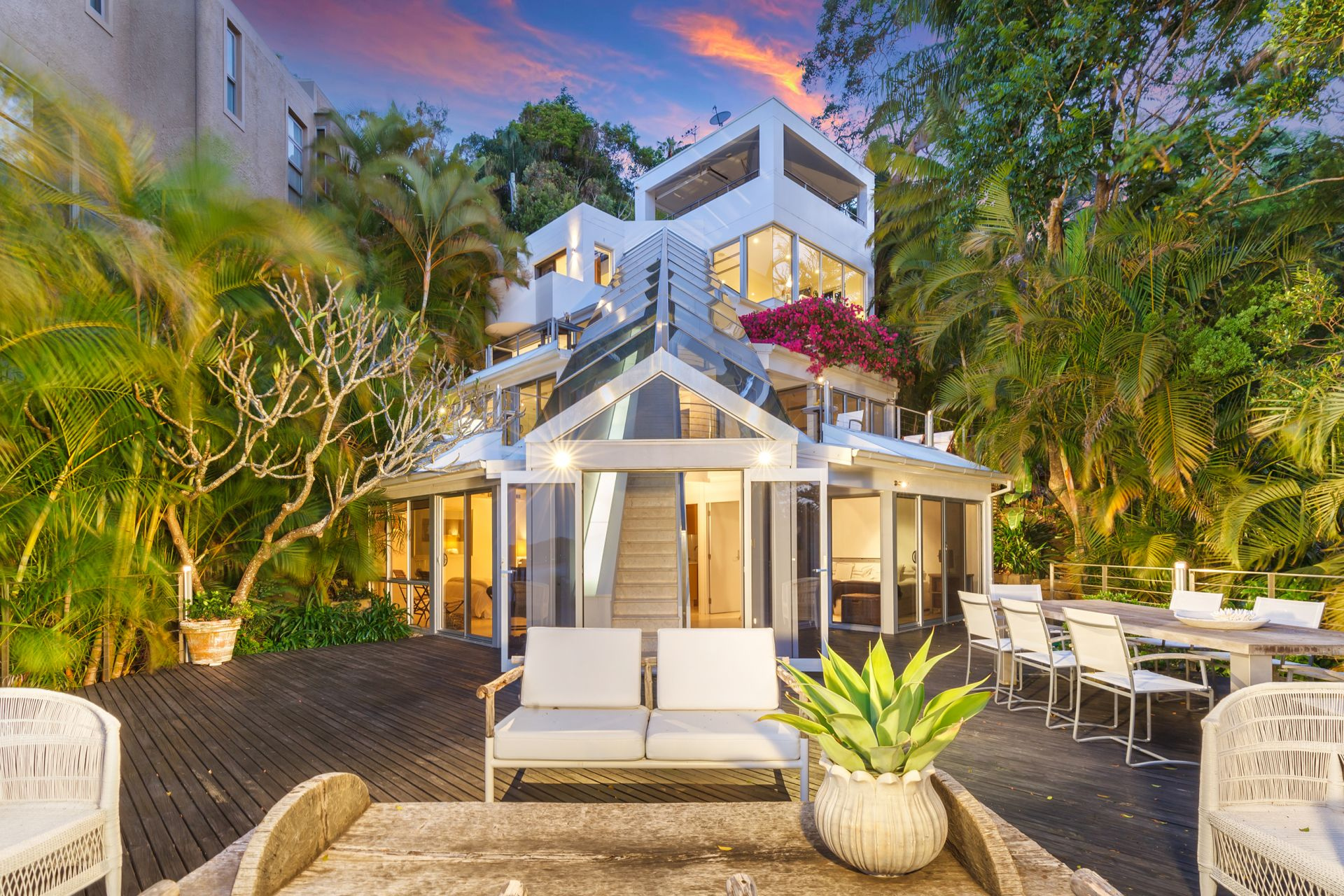 Μονοκατοικία για την Πώληση στο All offers invited - Breathtaking due-north views 28 Florida Road Palm Beach, New South Wales,2108 Αυστραλια