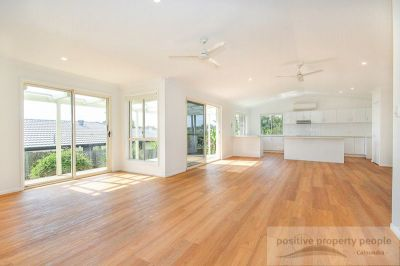 Stunning open plan Kitchen/family room, 700sqm block!