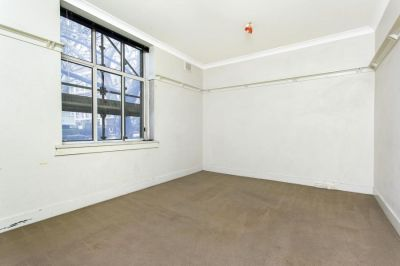 UNDER OFFER - PURE ART DECO POTENTIAL IN LIFESTYLE CENTRAL