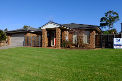 EXCEPTIONAL 3 BEDROOM TOWNHOUSE