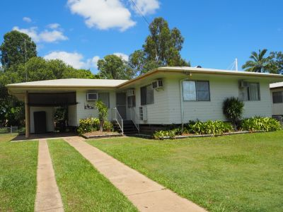 PRICE REDUCED - Low Set Family House