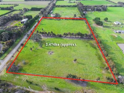 2.47 Ha (6.1 Acre) Block with Council Building Approval