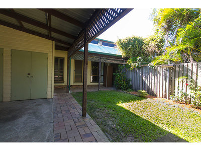 Charming 3 Bedroom Townhouse!