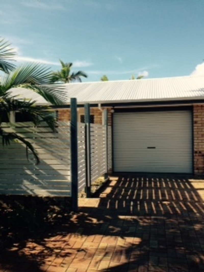 Byron beach-side lifestyle in great quiet position close to town