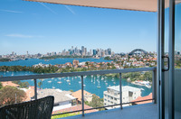 MOSMAN PENTHOUSE 2 BEDROOM PARKING FABULOUS VIEWS