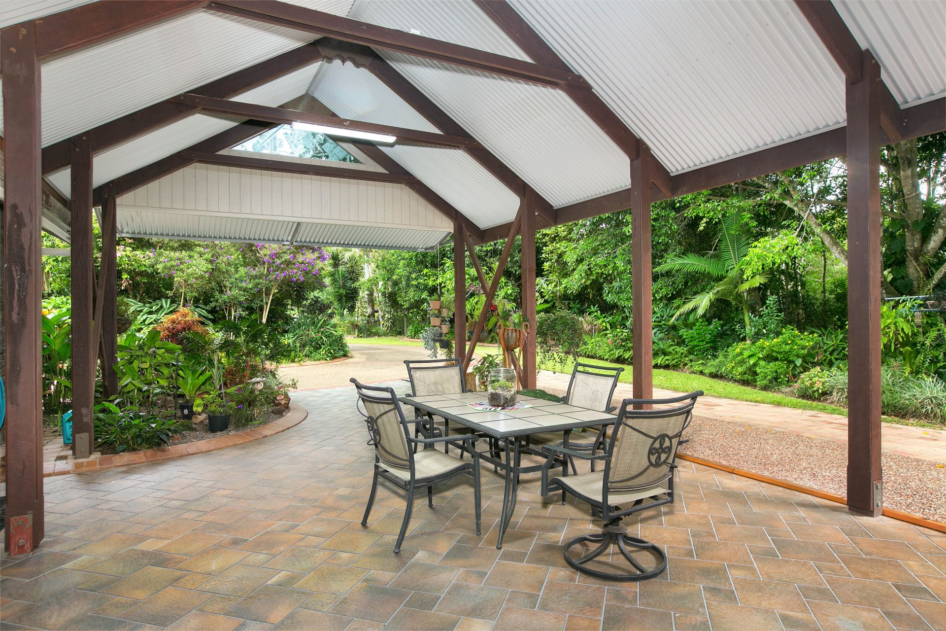 Additional photo for property listing at Idyllic tablelands rainforest retreat with breathtaking grounds   Queensland,4883 Austrália