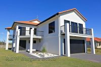 House 15, 5 Chantelle Circuit, Coral Cove