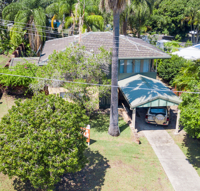 BRICK HOME WITH POOL – SIDE ACCESS ON A 911m2 BLOCK