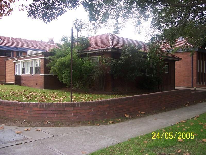 2 Norris Avenue, MAYFIELD