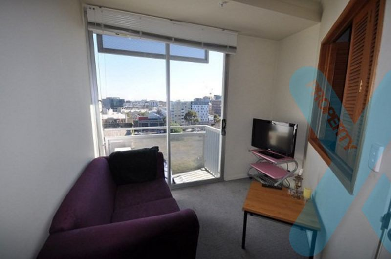 Well Priced Furnished Two Bedroom Apartment!!
