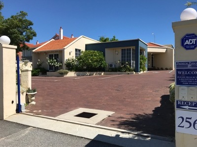 256 Walcott Street, Menora
