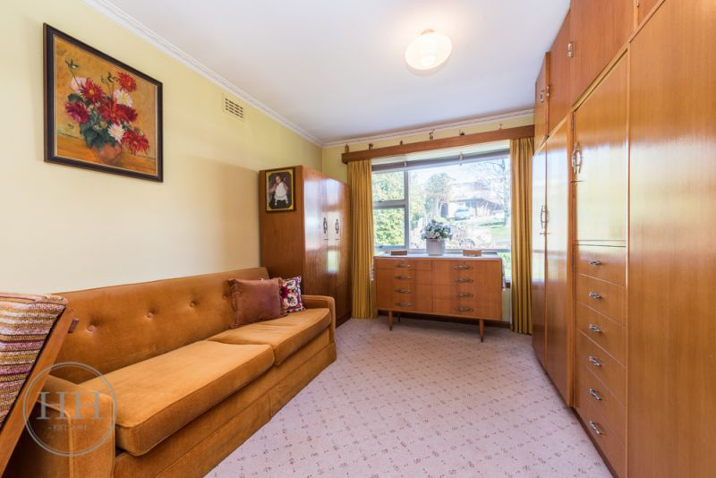 60 Dion Crescent-7
